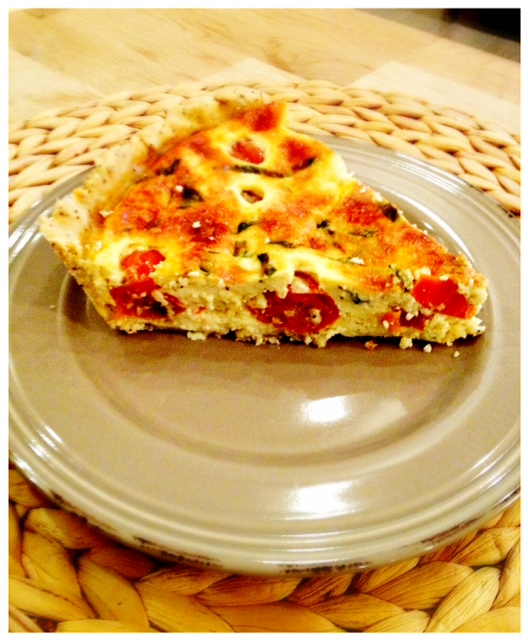 tarte clafoutis aux tomates cerises feta et basilic frais the happy cooking friends. Black Bedroom Furniture Sets. Home Design Ideas