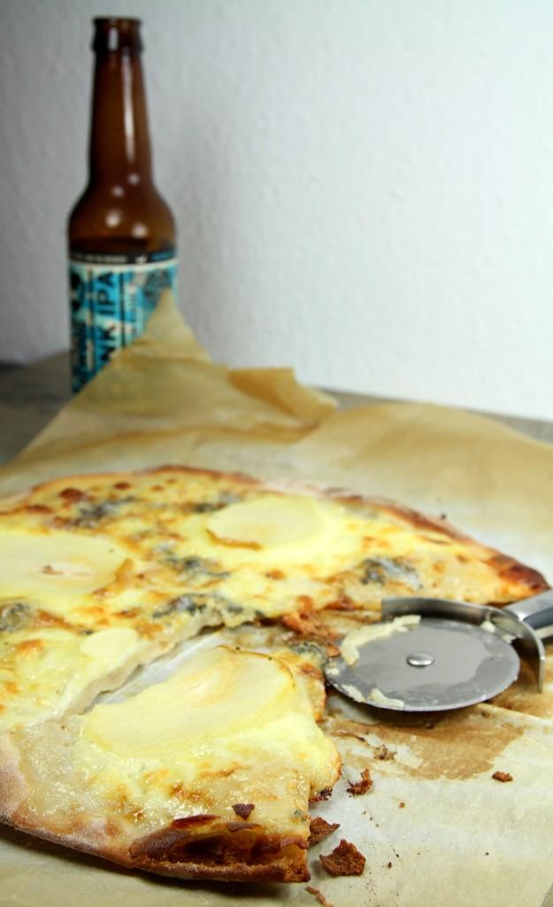 Pizza poire mozza gorgonzola 3