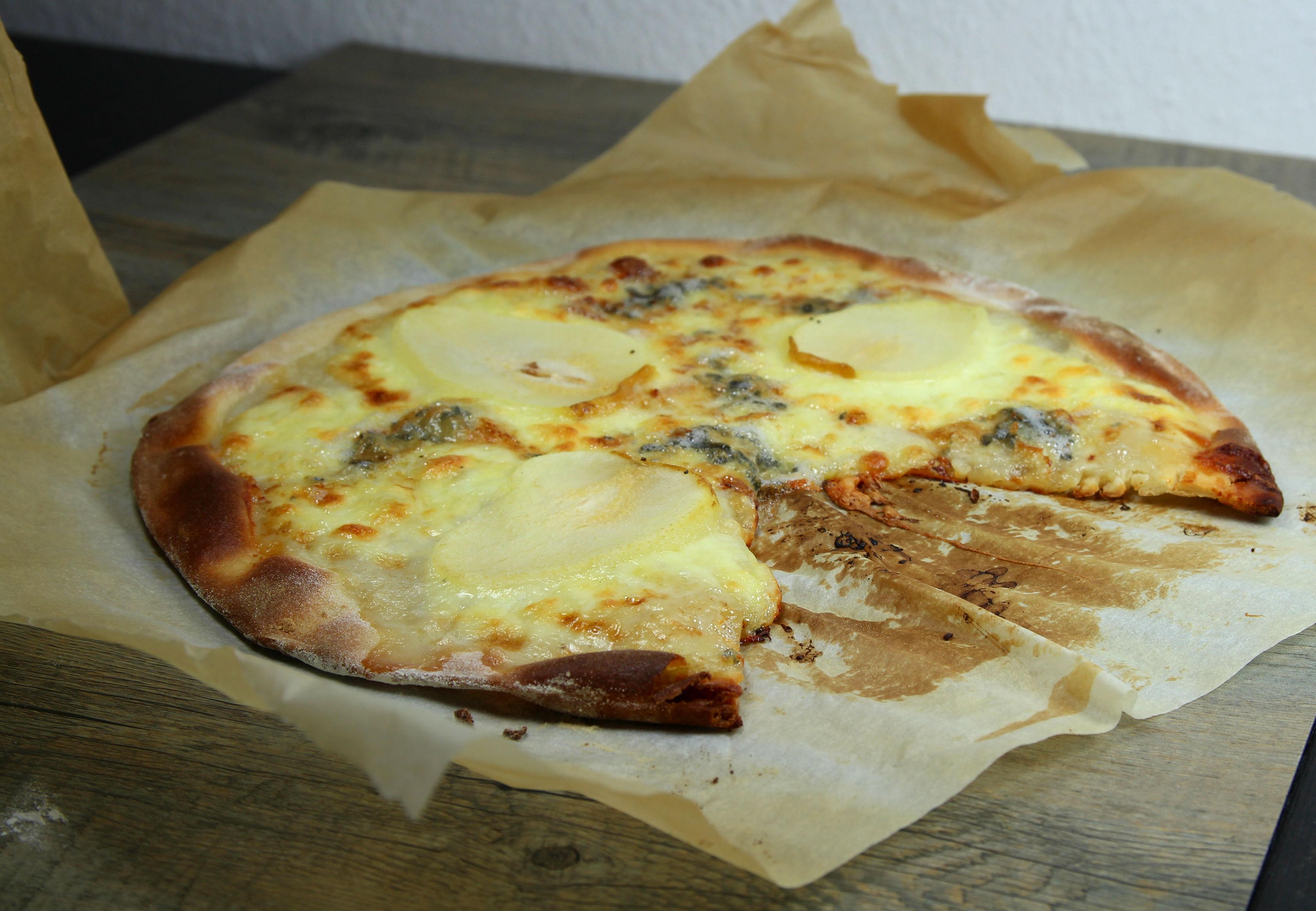 Recette pizza gorgonzola poire - Un site culinaire ...