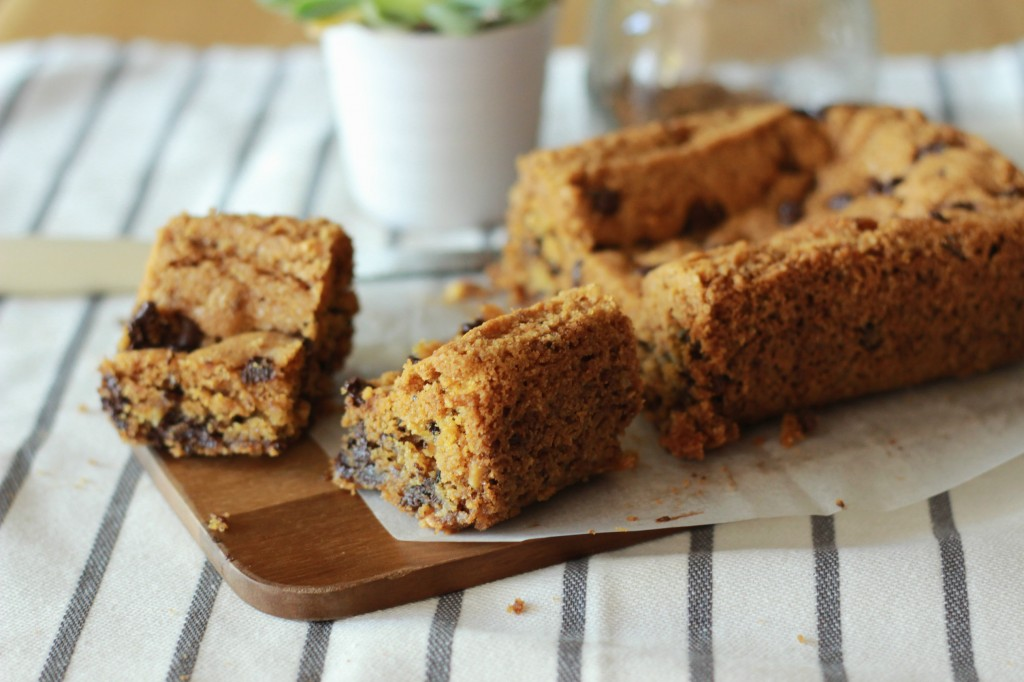 Cookie Cake (dark chocolate chips and praline) 7