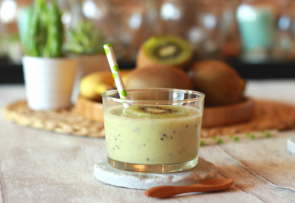 Smoothie onctueux kiwi-banane-coco 2